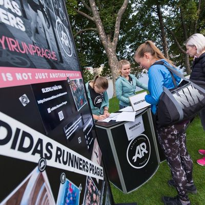 ADIDAS RUNNERS Women Activation